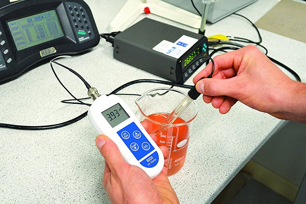How to Calibrate a pH Meter with a Buffer Solution