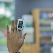 how to measure oxygen saturation without pulse oximeter