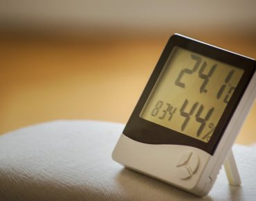 how to measure humidity without a hygrometer